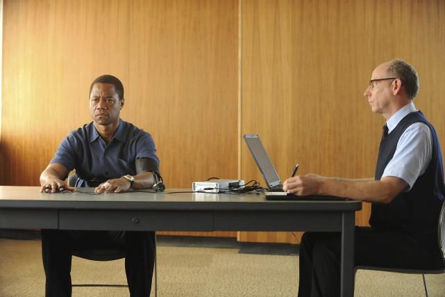 Cuba Gooding Jr. (à gauche) s'est vu confier... (Photo AP, Ray Mickshaw/FX)