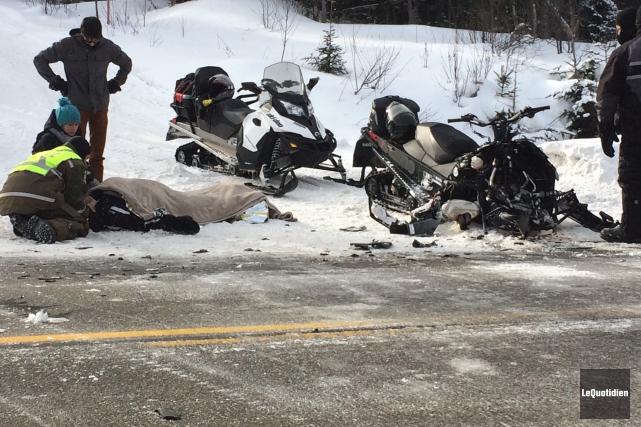 Un motoneigiste a subi des blessures graves, mais... ((Photo Le Quotidien, Marc Saint-Hilaire))