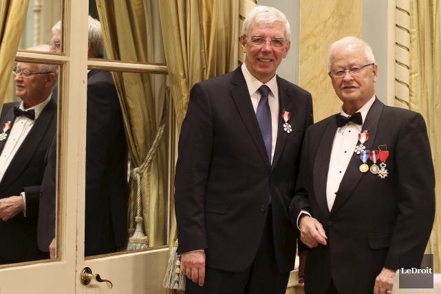 L'ancien président-éditeur du Droit, Pierre Bergeron, et l'actuel... (Patrick Woodbury, LeDroit)