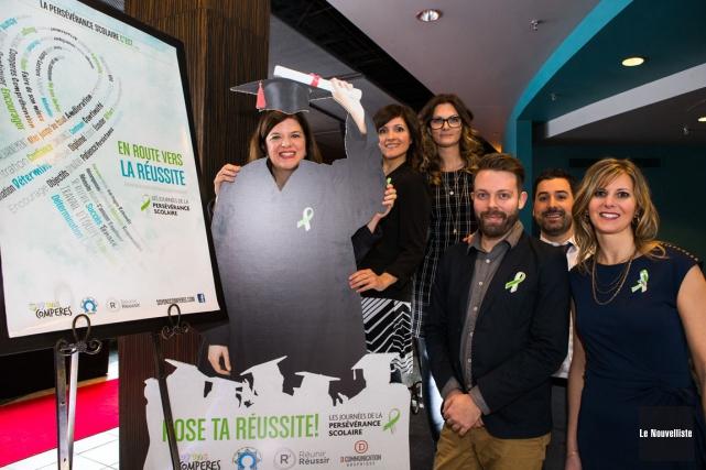 On retrouve sur la photo Julie L'Heureux, présidente... (Olivier Croteau, Le Nouvelliste)