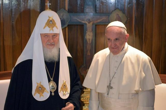 Le pape Francis et le patriarche de l'Église... (AFP)