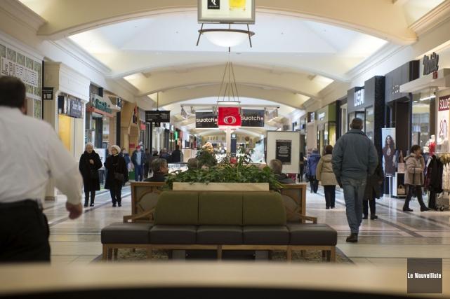 Le phénomène des centres commerciaux est loin de... (Stéphane Lessard, Le Nouvelliste)