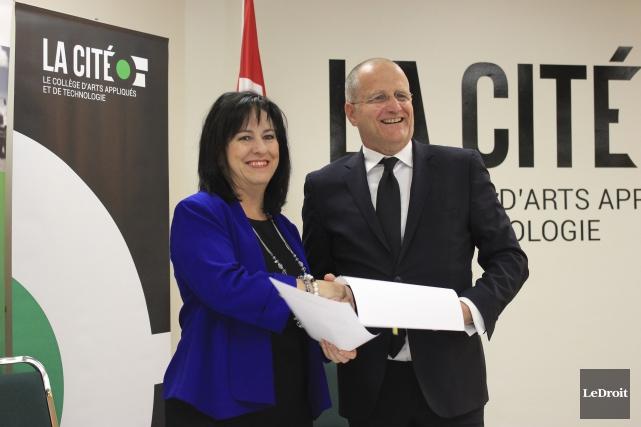 La présidente de La Cité, Lise Bourgeois, et... (Martin Brunette, LeDroit)