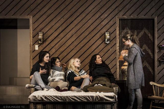 Sarah Laurendeau, Nathalie Doummar, Marie Soleil Dion, Anne-Marie... (Photo Éva-Maude TC, fournie par La Licorne)