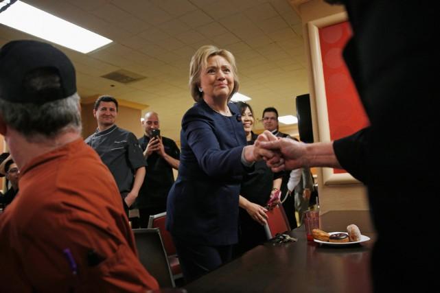 Hillary Clinton en campagne à Las Vegas, le... (PHOTO JOHN LOCHER, AP)