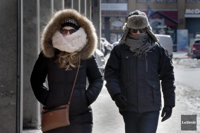 Le froid est mordant en ce samedi, veille... (Martin Roy, LeDroit)