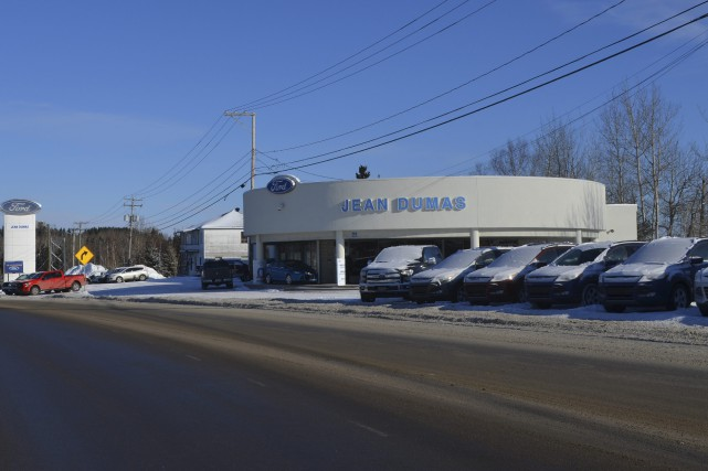 Un nouveau b timent de 4 m louis potvin conomie for Garage ford le creusot