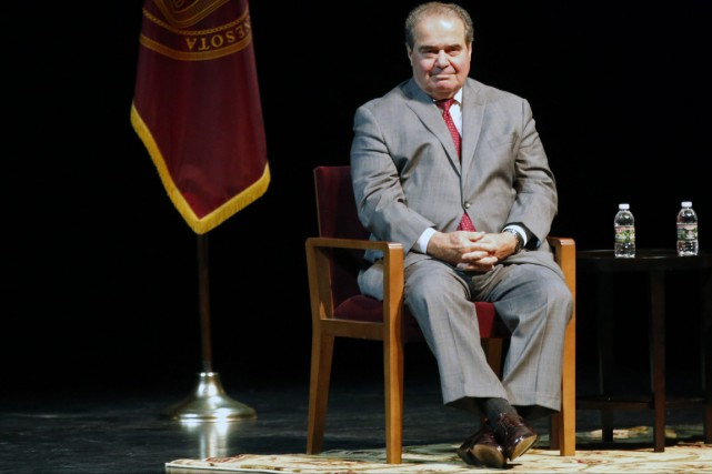 Le juge de la Cour suprême Antonin Scalia... (Photo Jim Mone, archives AP)