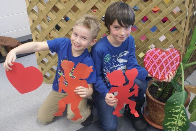 À la Saint-Valentin, Anthony Tremblay et Nathan Lefebvre... (Photo Le Progrès-Dimanche, Mélissa Viau)