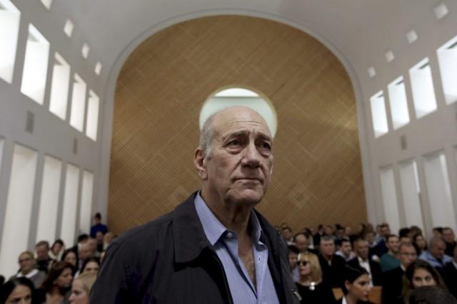 M.Olmert va passer 18mois derrière les barreaux pour... (PHOTO GALI TIBBON, ARCHIVES REUTERS)