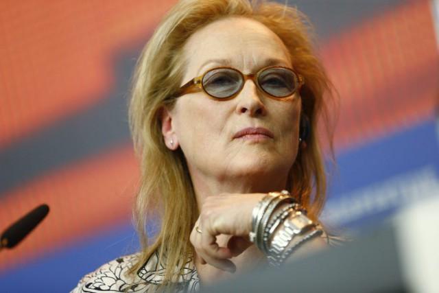 Pour Meryl Streep, les cadres d'Hollywood, qu'elle dépeint... (PHOTO AXEL SCHMIDT, ARCHIVES AP)