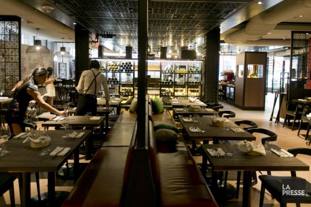 Les restaurants offrant un service aux tables ont... (archives La Presse)