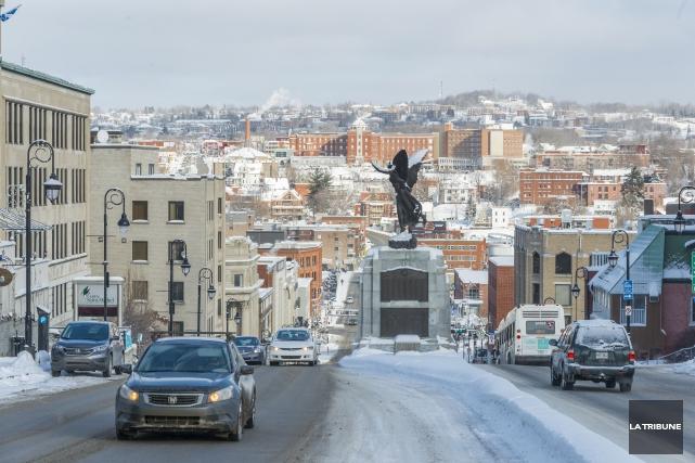 Les 21 grandes villes canadiennes veulent être assises... (Archives La Tribune)