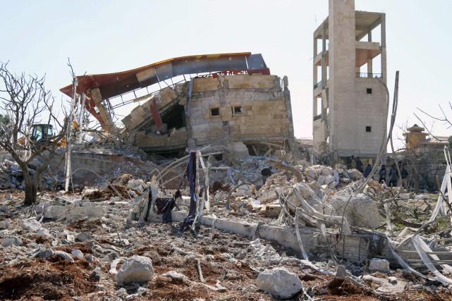 L'édifice de quatre étages - une ancienne usine... (Agence France-Presse)