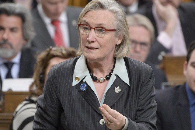La ministre des Affaires autochtones Carolyn Bennett.... (PHOTO ADRIAN WYLD, ARCHIVES LA PRESSE CANADIENNE)