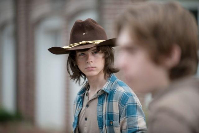 Carl et Ron dans l'épisode 7 de la... (Photo Gene Page,  fournie par AMC)