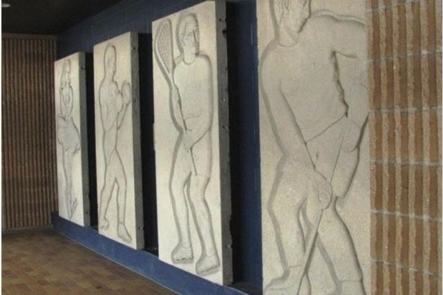 L'oeuvre de RaymondDelwaide inaugurée en 1950 en façade... (Courtoisie famille Delwaide)
