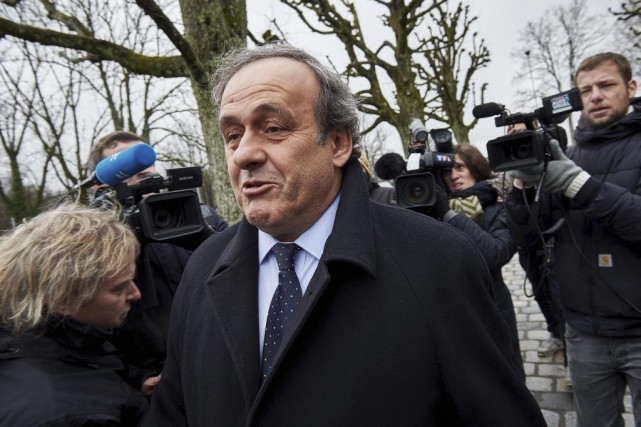 Michel Platini... (PHOTO MICHAEL BUHOLZER, AFP)