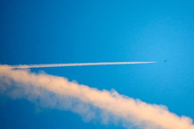 Des avions de combat turcs sont entrés à plusieurs reprises dans l'espace... (PHOTO REUTERS)