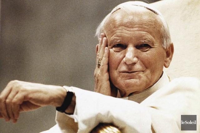 Le pape en mai 1990. Plus de 350... (Photothèque Le Soleil)
