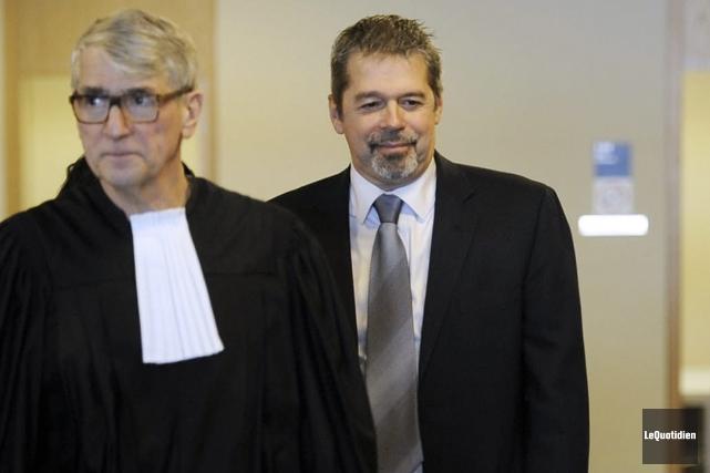Jacques Fortin et son avocat Me Pierre Mazurette... (Archives Le Quotidien, Mariane L. St-Gelais)