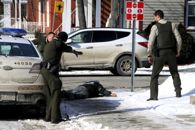 Les policiers de la SQ de Drummond ont... (Collaboration spéciale, Éric Beaupré)