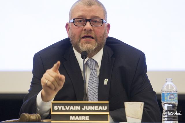 Le maire Sylvain Juneau... (Le Soleil, Caroline Grégoire)
