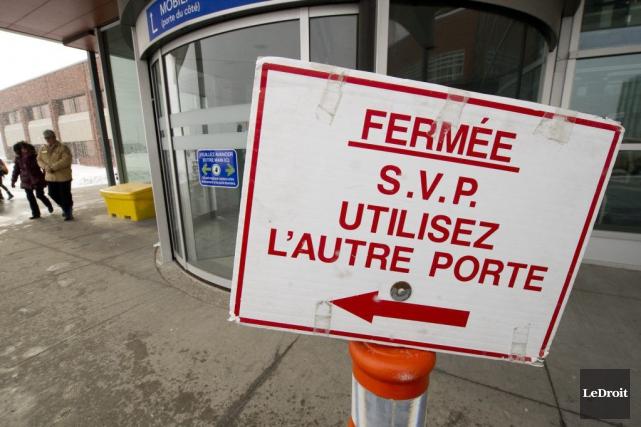 La grande porte tournante installée à l'Hôpital de... (Martin Roy, LeDroit)