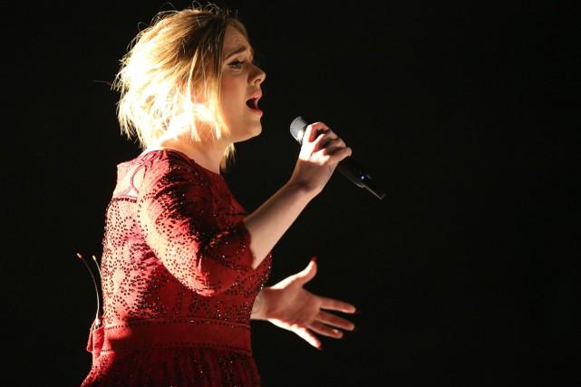 Adele a interprété aux côtés d'un piano à... (PHOTO AP)