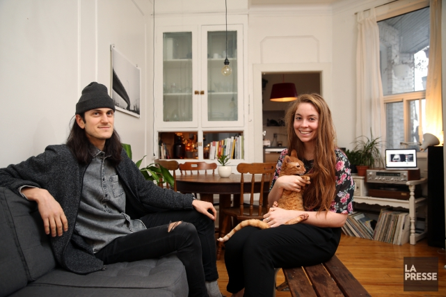 Maxime St-Jean, 26 ans, sa conjointe Eliane Sauvé,... (PHOTO MARTIN CHAMBERLAND, LA PRESSE)