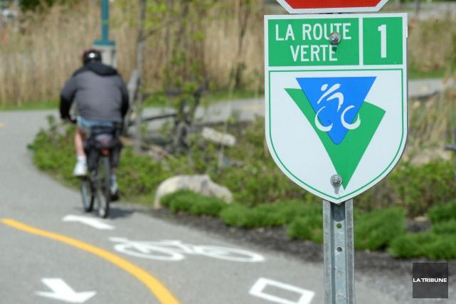 Le tronçon de piste cyclable traversant le terrain de Jacques Lamontagne, en... (Archives La Tribune)