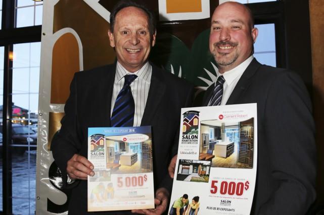 Le vice-président du Salon Christian Laporte et le... (photo Christophe Boisseau-Dion)