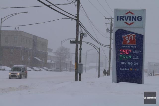 L'essence se vendait 90,4 cents le litre à... (Audrey Tremblay, Le Nouvelliste)