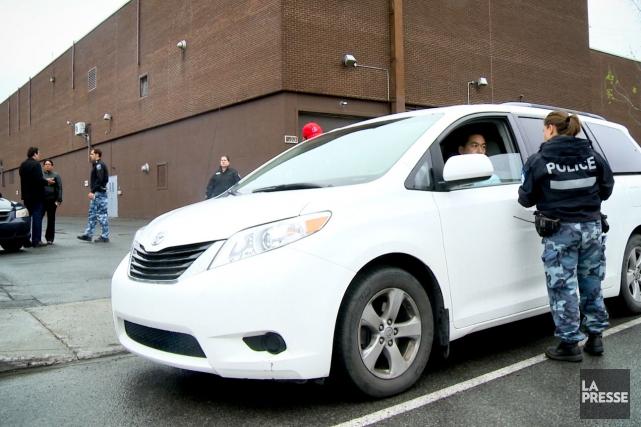 Des chauffeurs UberX utilisent l'application Zello pour communiquer... (Photo Bénédicte Millaud, archives La Presse)