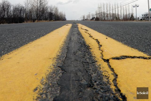 Un homme de 21 ans a été gravement blessé dans un accident impliquant deux... (Photothèque Le Soleil, Érick Labbé)