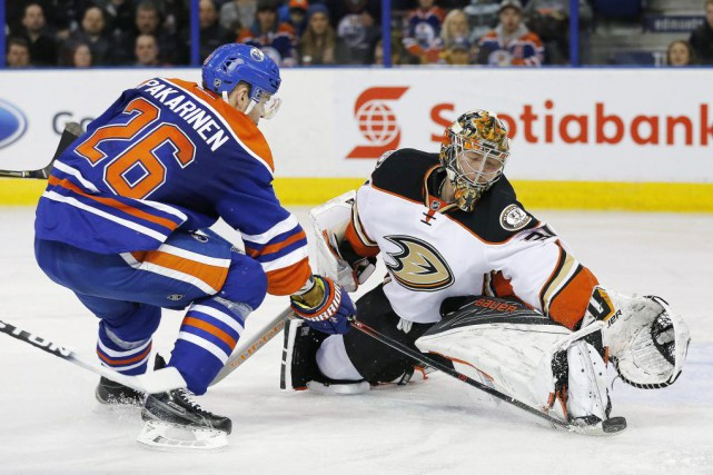 Frederik Andersen (31) devant Iiro Parkarinen (26).... (PHOTO PERRY NELSON, USA TODAY)
