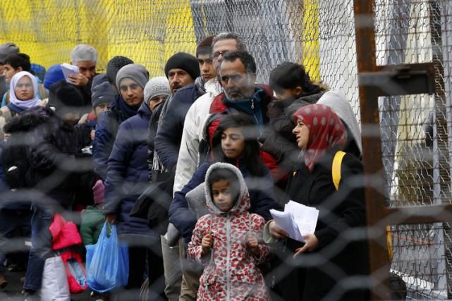 Après avoir accueilli quelque 90 000 migrants en... (PHOTO AFP)