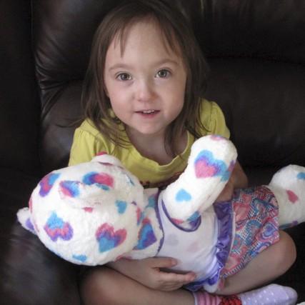 Née avec trois malformations au coeur, la petite... (Photo tirée de Facebook)
