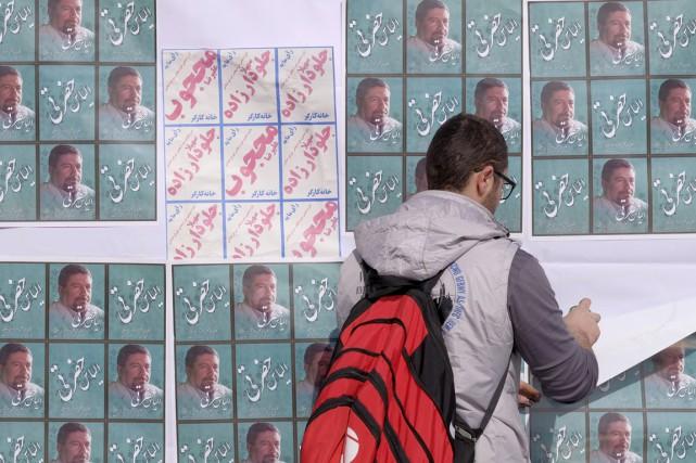 Peu d'affiches électorales, dont la dimension est limitée... (PHOTO RAHEB HOMAVANDI, REUTERS)