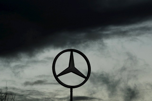 Le constructeur automobile allemand Mercedes-Benz est attaqué en justice aux... (PHOTO ARCHIVES REUTERS)