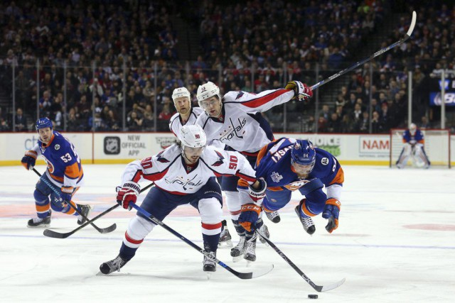 Mikhail Grabovski, Marcus Johansson et Tom Wilson, en... (Photo Brad Penner, USA Today)