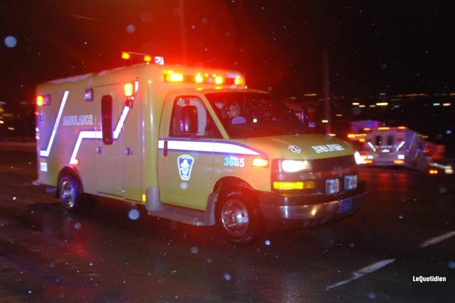 Un motoneigiste a été blessé à une jambe, jeudi, à Saint-Coeur-de-Marie,... (Archives Le Quotidien)