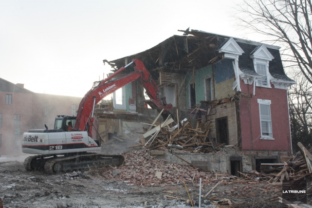 La maison Tourigny-Laforest, de Magog, a été détruite... (La Tribune, Jean-François Gagnon)