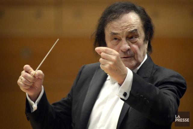 Le maestro Charles Dutoit est arrivé sur scène... (PHOTO BERNARD BRAULT, LA PRESSE)