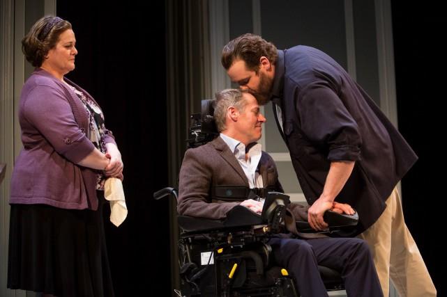 Michelle Labonté, Luc Guérin et Antoine Bertrand dans... (Fournie par le Théâtre du Rideau Vert)