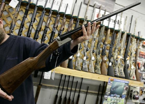«Les armes d'épaule constituent 80% des armes recouvrées... (Photo Jonathan Hayward, archives La Presse Canadienne)