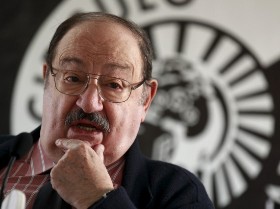 Umberto Eco... (PHOTO ARCHIVES REUTERS)