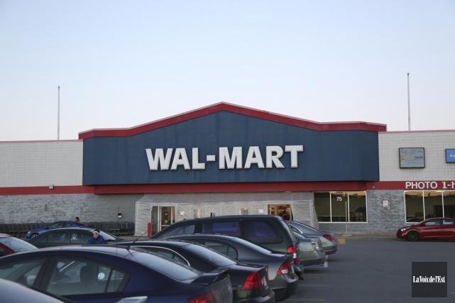 Le magasin Walmart de Granby sera transformé en... (Archives La Voix de l'Est)