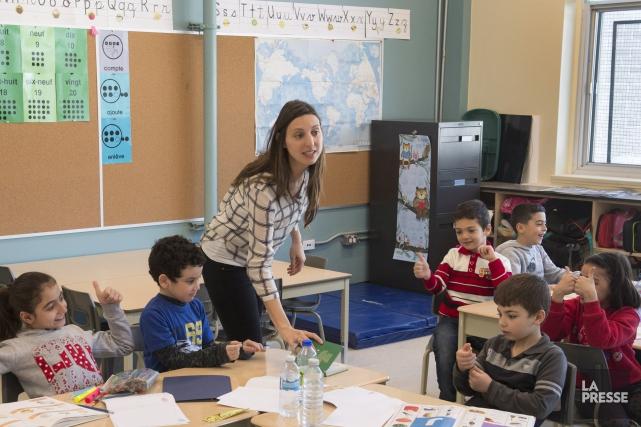 Evelyn Bissonette enseigne dans une classe d'accueil de... (Photo La Presse Canadienne)