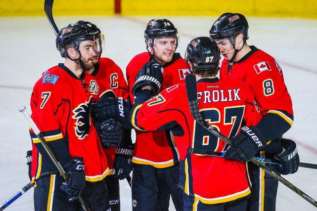 Les Flames accusent neuf points de retard sur... (Photo Sergei Belski, USA Today)